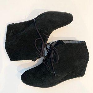 Vionic Sz 0 Black Suede Wedge Tie Heels